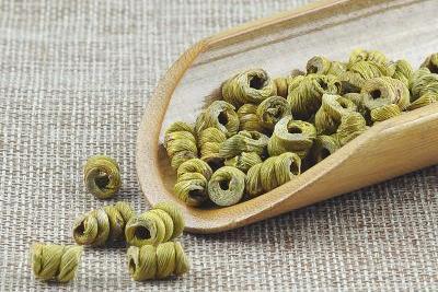霍山石斛枫斗和石斛鲜条煲猪肉汤的做法和功效